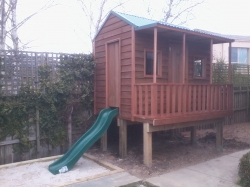 Cubby House Colours -  Cottage Green Roof, Dark Stain, Elevation